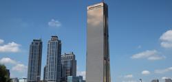 Юксам-Билдинг в Сеуле