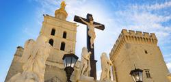 Кафедральный собор Нотр-Дам-де-Дом в Авиньоне