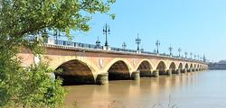 Каменный мост Бордо