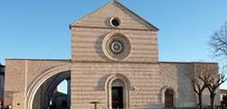 Базилика Санта-Кьяра в Ассизи