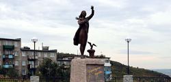 Памятник «Ждущая»