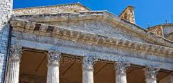 Храм Минервы в Ассизи