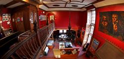 Музей авторов в Эдинбурге