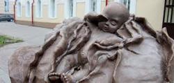 Памятник младенцу в капусте