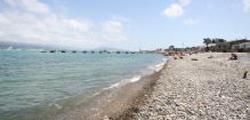 Дикий пляж в районе яхт-клуба